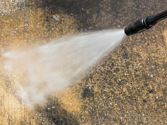 Er zijn verschillende soorten reinigingsmethoden afhankelijk van soort vervuiling en ondergrond